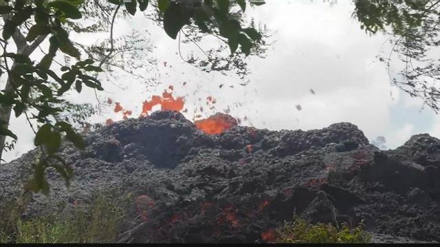 People on the Big Island wake up to falling ash after Kilauea erupts | KULR 8
